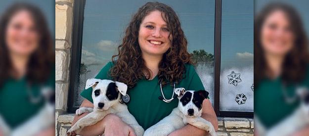 Shannon Davis, DVM, Veterinarian in Floresville, TX